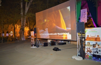 High attendance at the 2021 closing program of the 25th Cest is d Best - international street festival in Zagreb. #AmritMahotsav grand finale celebration with the projection under the stars of the Indian movie